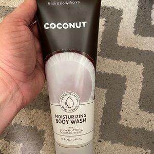 BBW coconut moisturizing body wash NWT